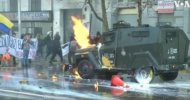Zamieszki na ulicach Santiago