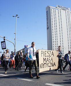 Blokada ulicy Puławskiej. Rusza piesza Masa Krytyczna