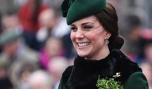 Ciężarna księżna Kate na dzień św. Patryka. Płaszczyk to strzał w dziesiątkę