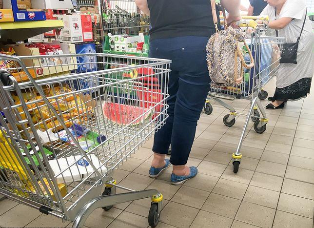 Drożyzna w sklepach. Polacy szukają tańszych zamienników