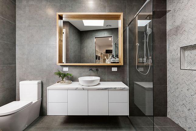 Nawet niewielka łazienka może szybko nabrać stylu