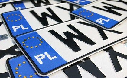 Używanie fałszywych tablic nie jest przestępstwem. Holendrzy nie mogą się nadziwić decyzji polskiego sądu