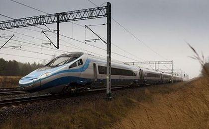 Pendolino w Polsce ma już rok. 6 mln przejechanych kilometrów i 3,6 mln przewiezionych pasażerów