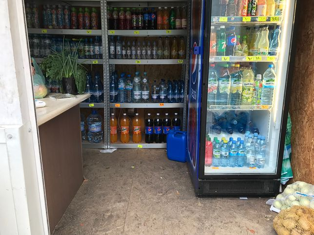 Małe sklepy w nadmorskich miejscowościach nie mają konkurencji.