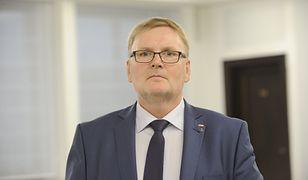 Prokuratorzy nie wszczęli postępowania przeciw żonie Waldemara Bonkowskiego. Zawiadomienie złożył sam senator PiS.