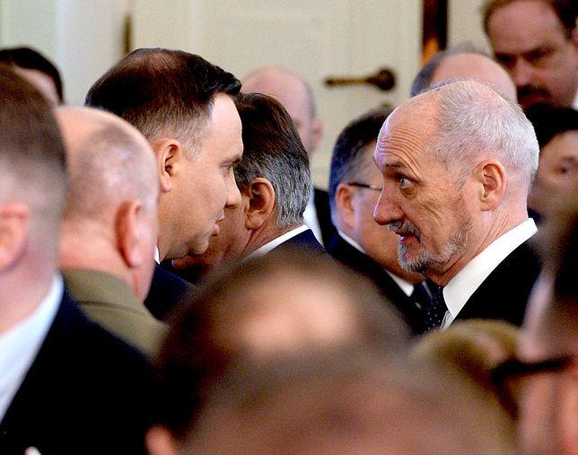 Spór Duda - Macierewicz skończy się dymisją szefa MON?
