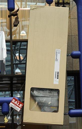 Czeski artysta David Czerny  zagrał na nosie Radzie UE
