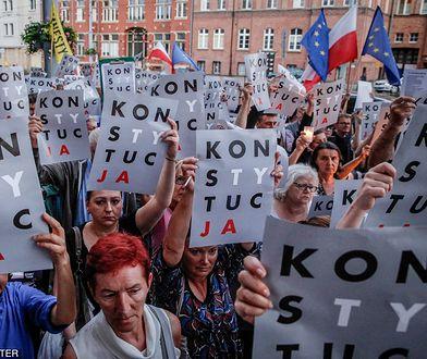Protesty w obronie konstytucji przetoczyły się przez całą Polskę