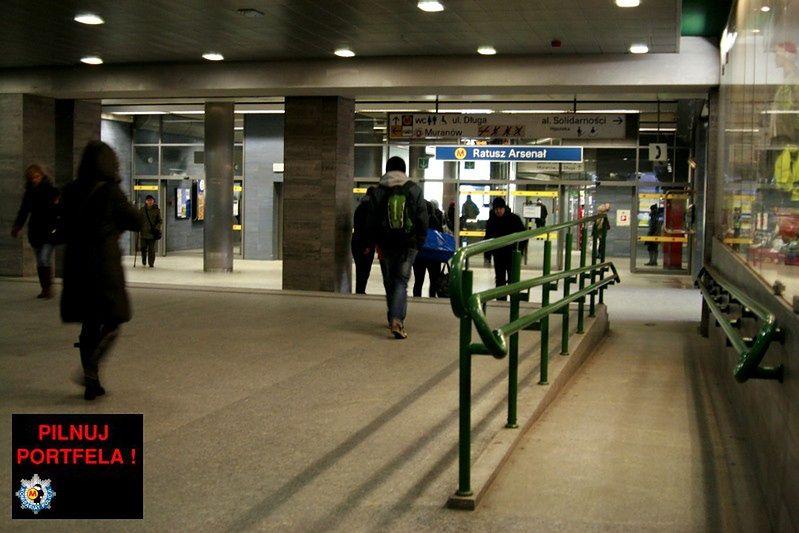 Podwyżka biletów jest, nocnych kursów metra nie będzie
