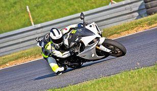 Yamaha R1: królowa ścigaczy?