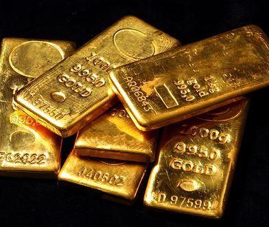 Jaką drogę pokonuje złota sztabka zanim trafi do klienta?