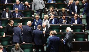 Polacy zabrali głos ws. przyspieszenia wyborów parlamentarnych