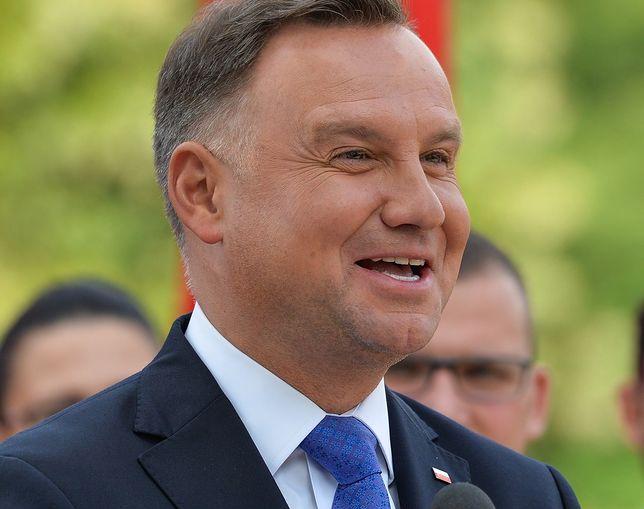 """Andrzej Duda pękał ze śmiechu. """"Nie wytrzymam, muszę państwu coś opowiedzieć"""""""