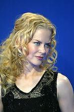 Christina Aguilera i Nicole Kidman bronią kobiet