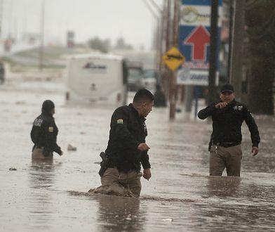USA. Burza tropikalna w stanie Teksas
