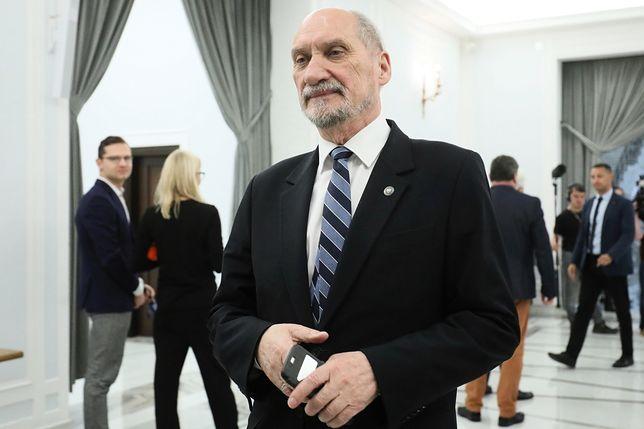 Antoni Macierewicz uderza w Kornela Morawieckiego.