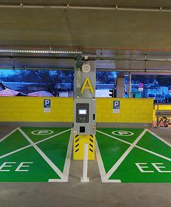 Warszawa. Nowe punkty ładowania pojazdów elektrycznych na parkingach P+R