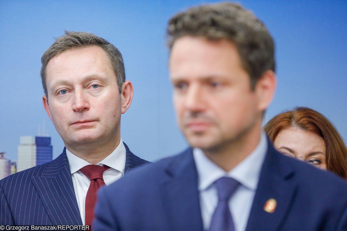 """Wiceprezydent Warszawy Paweł Rabiej zmienił zdanie. Adopcję dzieci przez gejów uważa za """"kontrowersyjną"""""""