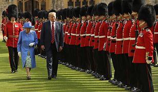 Donald Trump podczas spotkania z królową Elżbietą II