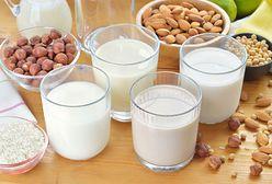 Mleko roślinne. Jak kupować, żeby nie dać się nabić w butelkę
