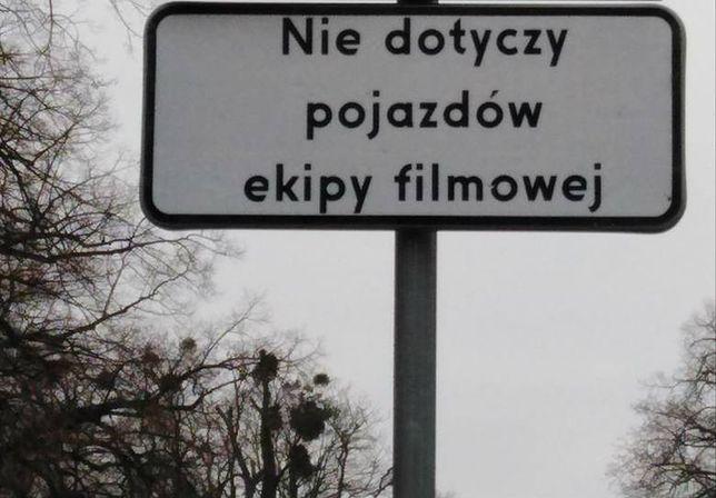 """Ekipa filmowa zrealizuje zdjęcia do serialu """"Erynie"""" na ulicy Szczytnickiej. Kierowcy i pasażerowie MPK muszą przygotować się na utrudnienia drogowe."""