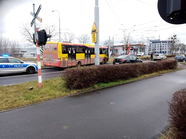 W piątek we Wrocławiu doszło do dwóch wypadków z udziałem autobusów MPK. Utrudnienia zostały już usunięte.