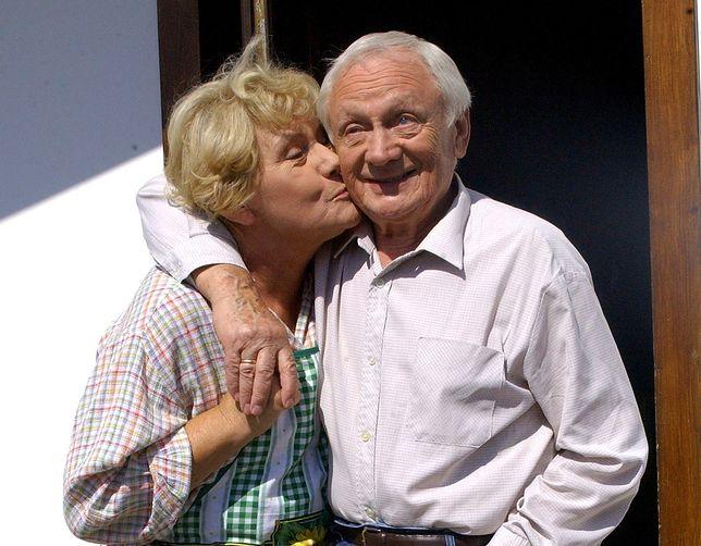 """Teresa Lipowska i Witold Pyrkosz na planie """"M jak Miłość"""""""