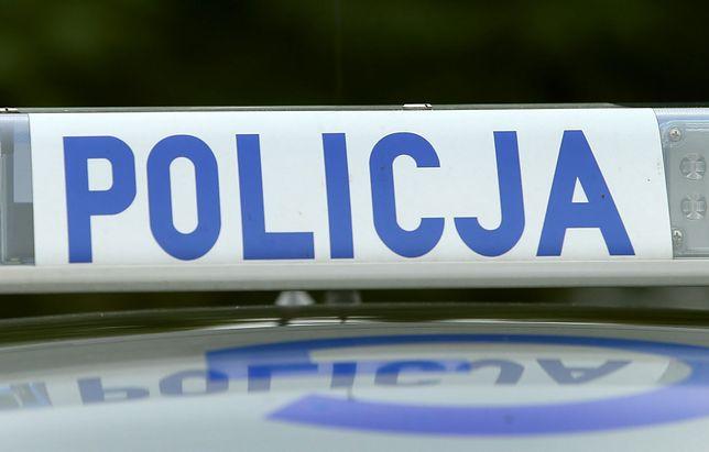 Warszawa. W niedzielę zderzyły się dwa samochody. Kierowca jednego uciekł