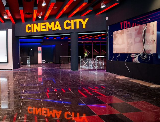 Warszawa. Sieć kin Cinema City obniża ceny biletów.