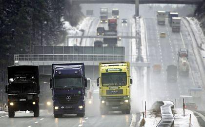 Megaciężarówki zagrożą kolejom?