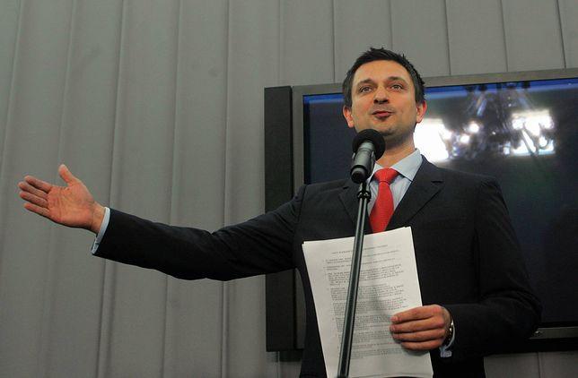 Tomasz Misiak podczas konferencji prasowej w 2009 r.