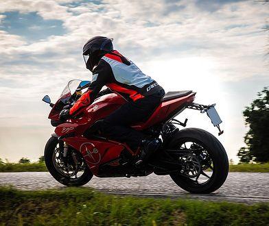 Motocykle Energica debiutują w wersji RS. Przyspieszają w 2,6 s do 100 km/h