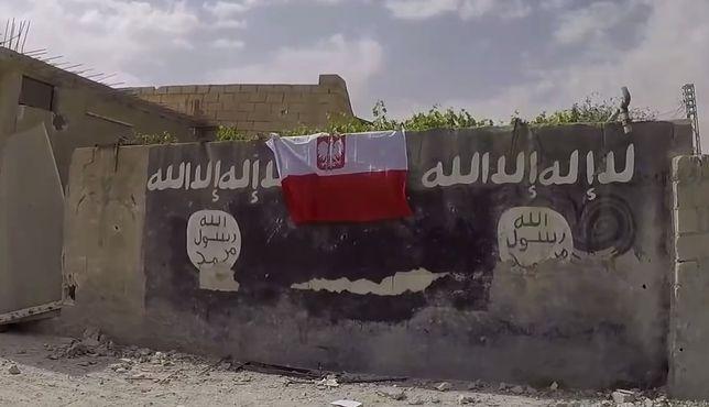 """Relacja Polaka walczącego z ISIS. """"Wysyłają do nas dziesiątki dronów z podwieszonymi granatami"""""""