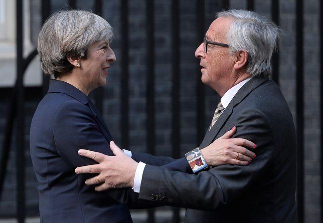 Jean-Claude Juncker i Theresa May podczas spotkania w Londynie