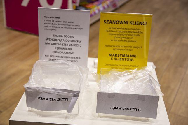 Koronawirus. Kwarantanna pracowników marketu w galerii handlowej w Białymstoku