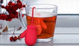 Ci, którzy cenią smak herbaty, wiedzą, że ta w torebkach nijak ma się do liściastej. Zobacz, jak parzyć herbatę, by cieszyć się jej szlachetnym smakiem