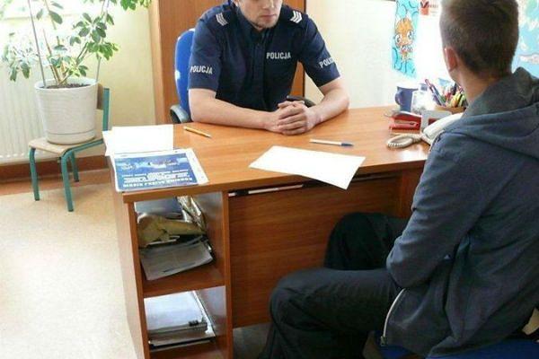 PiS przywraca posterunki policji. Mieszkańcy się cieszą, a rząd i policja nie potrafią powiedzieć, ile to kosztuje