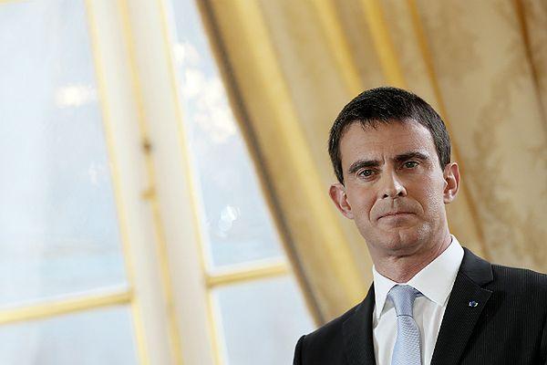 """Dramatyczny apel premiera Francji. Mocne słowa o """"społecznym apartheidzie"""""""