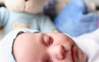 Rumień zakaźny dotyka niemowląt i dzieci