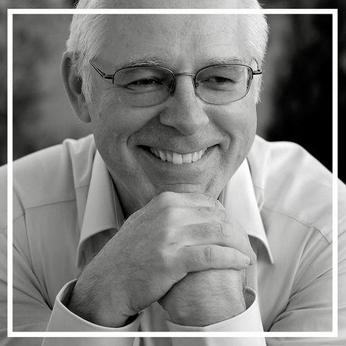 Jerzy Zięba jest m.in. dyplomowanym hipnoterapeutą