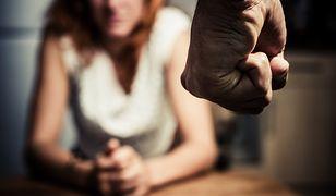 Trzydzieści tysięcy kobiet w każdym roku staje się ofiarą gwałtu, w tym najbliższego partnera