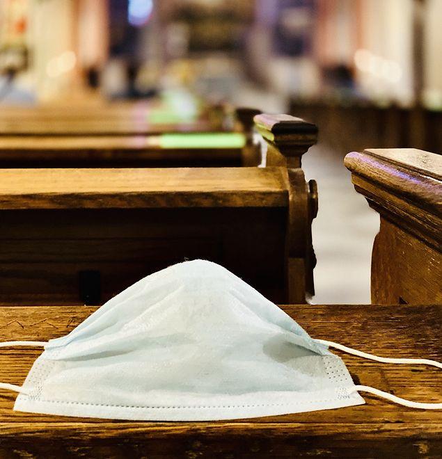 Kolejni biskupi udzielają dyspensy od mszy