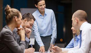 Równie cenne jak wiedza są umiejętności miękkie, np. komunikacja czy budowanie relacji interpersonalnych