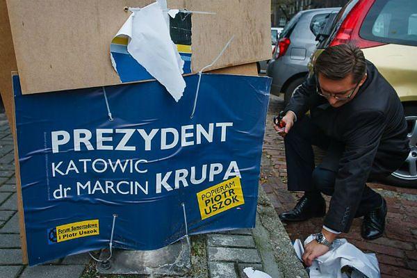 Marcin Krupa urządził wielkie sprzątanie plakatów wyborczych