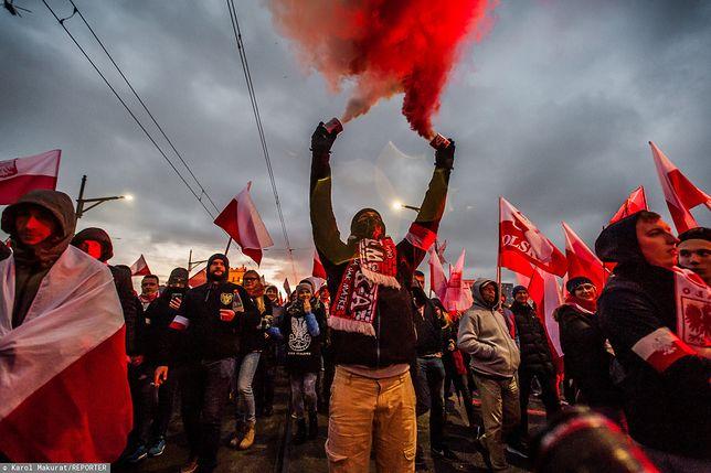 Dziewięć kobiet stanęło na trasie Marszu Niepodległości 2017. Sąd je uniewinnił