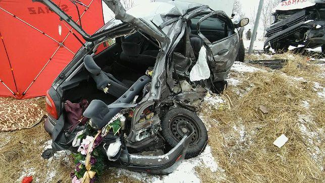 """Tragiczny wypadek na """"siódemce"""". Zginęły 4 osoby"""