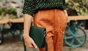 Popularność dopasowanych spodni nie musi oznaczać, że można nosić tylko takie