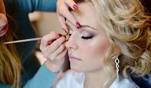 Makijaż ślubny często podkreśla naturalną urodę