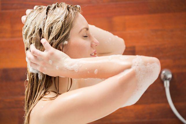Czy warto myć włosy odżywką? Metoda OMO