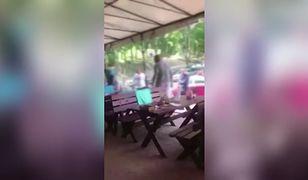 Bójka klientów i przechodniów w nadmorskiej restauracji. Pobita kelnerka